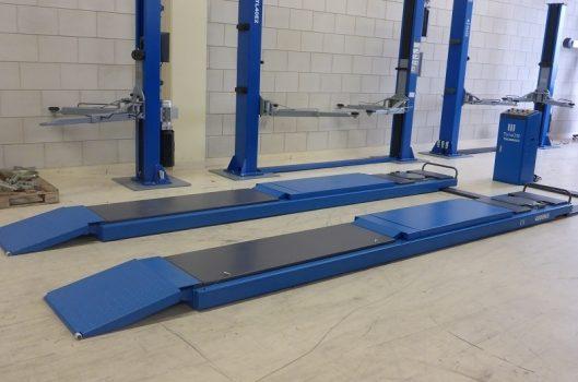 TyreON TSC4000X2 rijbanen hefbrug op de vloer